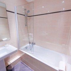 Отель Hôtel Charlemagne Франция, Лион - 1 отзыв об отеле, цены и фото номеров - забронировать отель Hôtel Charlemagne онлайн ванная