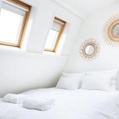 Отель Cornelis Luxury Guesthouse Нидерланды, Амстердам - отзывы, цены и фото номеров - забронировать отель Cornelis Luxury Guesthouse онлайн комната для гостей фото 4