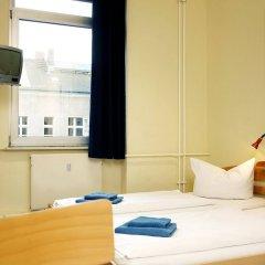 Отель acama Hotel & Hostel Kreuzberg Германия, Берлин - 1 отзыв об отеле, цены и фото номеров - забронировать отель acama Hotel & Hostel Kreuzberg онлайн комната для гостей фото 2