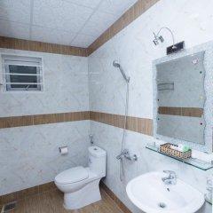 Отель Lys Hotel Вьетнам, Буонматхуот - отзывы, цены и фото номеров - забронировать отель Lys Hotel онлайн ванная