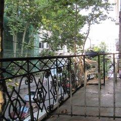и хостел Lucky балкон