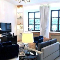 Отель Luxury Apartments MONDRIAN Market Square Польша, Варшава - отзывы, цены и фото номеров - забронировать отель Luxury Apartments MONDRIAN Market Square онлайн комната для гостей фото 2