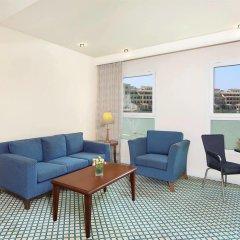 Отель Courtyard by Marriott Dubai Green Community комната для гостей фото 4