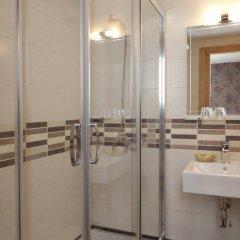 Отель Hostal Jemasaca-Palma61 Испания, Мадрид - отзывы, цены и фото номеров - забронировать отель Hostal Jemasaca-Palma61 онлайн ванная