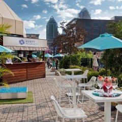 Отель DoubleTree by Hilton Montreal Канада, Монреаль - отзывы, цены и фото номеров - забронировать отель DoubleTree by Hilton Montreal онлайн бассейн