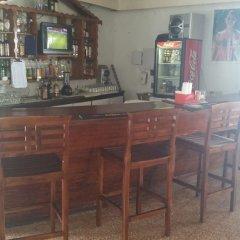 Отель Cool Breeze Beach Studio Ямайка, Монтего-Бей - отзывы, цены и фото номеров - забронировать отель Cool Breeze Beach Studio онлайн гостиничный бар