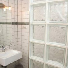Отель Ajstrup Beach Camping & Cottages Дания, Орхус - отзывы, цены и фото номеров - забронировать отель Ajstrup Beach Camping & Cottages онлайн ванная