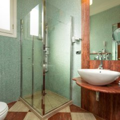 Отель Montebello Splendid Hotel Италия, Флоренция - 12 отзывов об отеле, цены и фото номеров - забронировать отель Montebello Splendid Hotel онлайн ванная фото 2