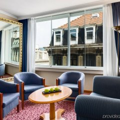 Отель NH Collection Brussels Centre гостиничный бар
