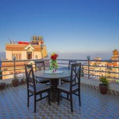 Отель OYO 248 Hotel Galaxy Непал, Катманду - отзывы, цены и фото номеров - забронировать отель OYO 248 Hotel Galaxy онлайн приотельная территория