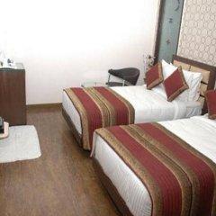 Отель Fabhotel Kailash Colony Metro Station комната для гостей фото 5