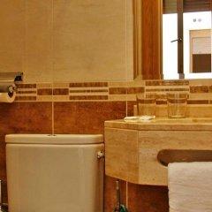 Отель Hostal Victoria I ванная