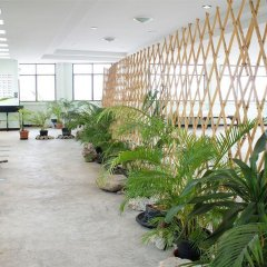 Отель Ratchadamnoen Residence Бангкок парковка