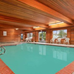 Отель Best Western Plus Cascade Inn & Suites бассейн фото 3