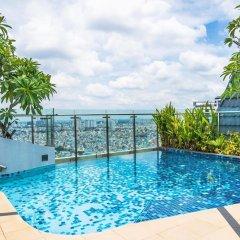 Отель Steve's APT at ICON56 Вьетнам, Хошимин - отзывы, цены и фото номеров - забронировать отель Steve's APT at ICON56 онлайн бассейн
