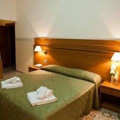 Отель Capys Капуя сейф в номере