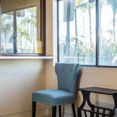 Отель Rodeway Inn & Suites LAX интерьер отеля фото 3