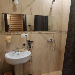 Гостиница Usadba 50 в Иркутске отзывы, цены и фото номеров - забронировать гостиницу Usadba 50 онлайн Иркутск ванная фото 2