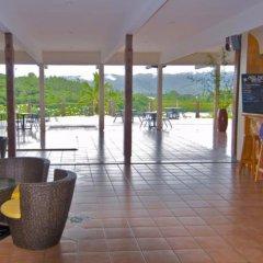 Отель Savusavu Hot Springs Hotel Фиджи, Савусаву - отзывы, цены и фото номеров - забронировать отель Savusavu Hot Springs Hotel онлайн интерьер отеля