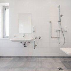 Отель Premiere Classe Wroclaw Centrum Польша, Вроцлав - 4 отзыва об отеле, цены и фото номеров - забронировать отель Premiere Classe Wroclaw Centrum онлайн ванная фото 2