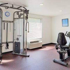 Отель Best Western Plus Raffles Inn & Suites фитнесс-зал фото 3