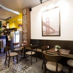 Alan Hostel гостиничный бар