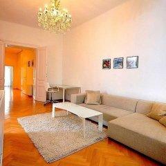 Апартаменты Vienna Residence Spacious & Tasteful Apartment in the 3rd District Вена комната для гостей фото 3