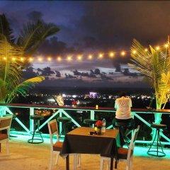 Отель Happy Mountain Airport Resort Таиланд, Такуа-Тунг - отзывы, цены и фото номеров - забронировать отель Happy Mountain Airport Resort онлайн гостиничный бар