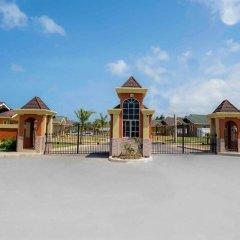 Отель Zades Vacation Home парковка