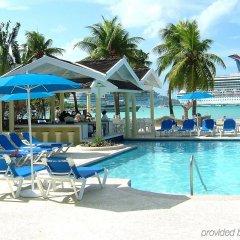Отель Rooms on the Beach Ocho Rios Ямайка, Очо-Риос - 8 отзывов об отеле, цены и фото номеров - забронировать отель Rooms on the Beach Ocho Rios онлайн бассейн