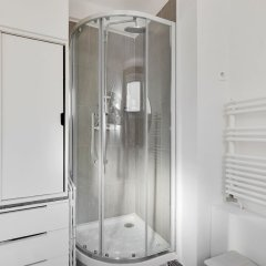 Отель Appartement Paris centre Canal St Martin ванная