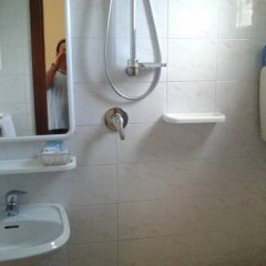 Hotel Villa Cicchini Римини ванная