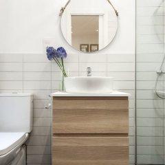 Отель Apartamento Puerta del Sol VI Испания, Мадрид - отзывы, цены и фото номеров - забронировать отель Apartamento Puerta del Sol VI онлайн ванная