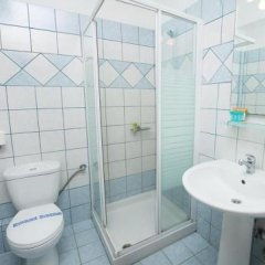 Hotel Areti Ситония ванная