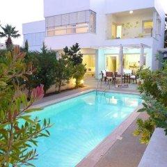 Отель Villa Centrum Кипр, Протарас - отзывы, цены и фото номеров - забронировать отель Villa Centrum онлайн бассейн фото 2