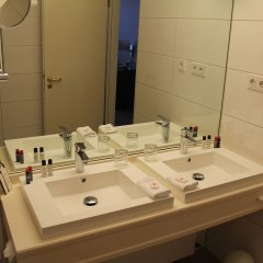 relexa Hotel Airport Düsseldorf - Ratingen ванная