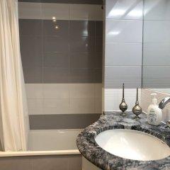 Отель Lisbon Luxe Spacious Flat ванная фото 2