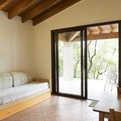 Отель Camping Zocco Centro Vacanze Манерба-дель-Гарда комната для гостей