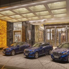 Отель The Reverie Saigon парковка