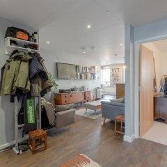 Отель Modern 1 Bedroom Apartment in Central Location Великобритания, Лондон - отзывы, цены и фото номеров - забронировать отель Modern 1 Bedroom Apartment in Central Location онлайн спортивное сооружение