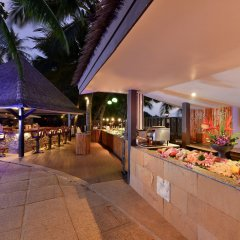 Отель Andaman White Beach Resort Таиланд, пляж Банг-Тао - 3 отзыва об отеле, цены и фото номеров - забронировать отель Andaman White Beach Resort онлайн питание фото 3