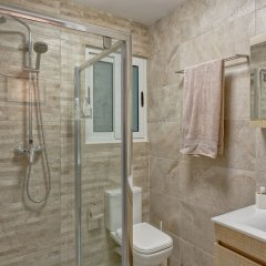 Апартаменты Brand New Designer Finished Apartment, Central Location Гзира комната для гостей фото 5