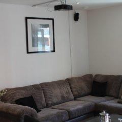 Апартаменты Stratford Luxury Apartment комната для гостей фото 3