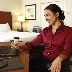 Отель Hilton Garden Inn New Delhi/Saket Индия, Нью-Дели - отзывы, цены и фото номеров - забронировать отель Hilton Garden Inn New Delhi/Saket онлайн комната для гостей фото 3