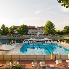 Fior Hotel Restaurant Кастельфранко бассейн