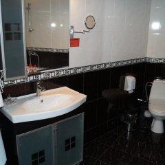 Отель Kardjali Болгария, Карджали - отзывы, цены и фото номеров - забронировать отель Kardjali онлайн ванная фото 2