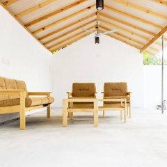 Отель Holiday Cottage Мальдивы, Северный атолл Мале - отзывы, цены и фото номеров - забронировать отель Holiday Cottage онлайн балкон