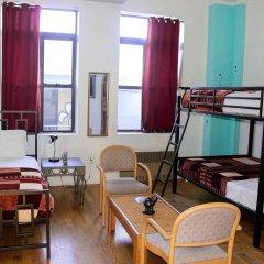 Отель NY Moore Hostel США, Нью-Йорк - 1 отзыв об отеле, цены и фото номеров - забронировать отель NY Moore Hostel онлайн питание фото 2