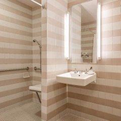 Отель HNA Palisades Premiere Conference Center ванная фото 2
