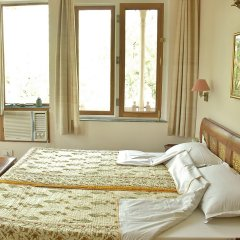 Om Niwas Suite Hotel комната для гостей